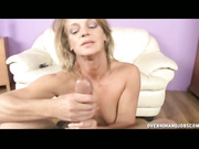 MILF lassy loves to jerking
