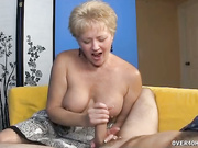 Busty Tracy gave a handjob