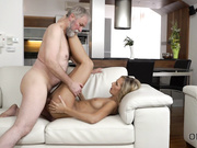 Mature guy penetrates beautiful wife in old and young video
