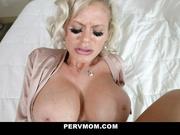 MILFtastic Titty Alert!